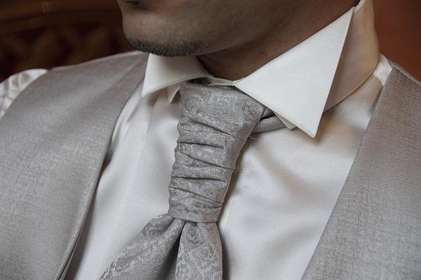 ネクタイで分かる男性の「個性・心理・性格」覗いてみましょう〜