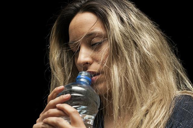 水分不足になるとどんな症状が出るの?意外な影響にびっくり!!